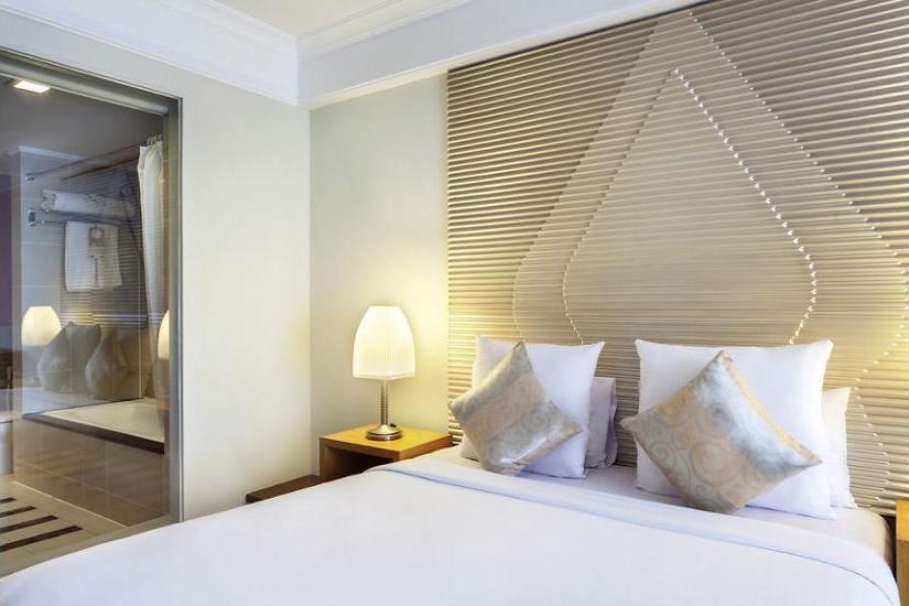 Novotel Semarang - Hotel Front