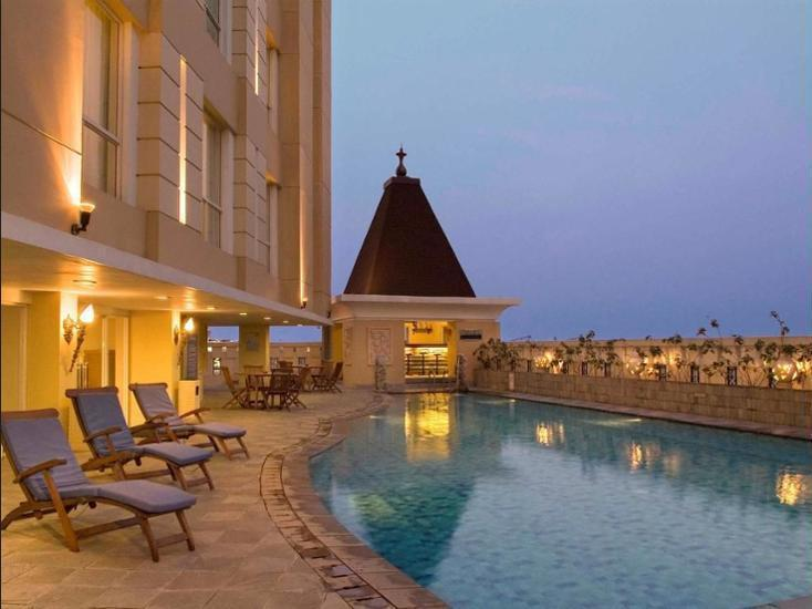 Novotel Semarang - Outdoor Pool
