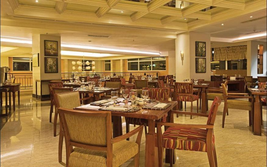 Novotel Semarang - Dining