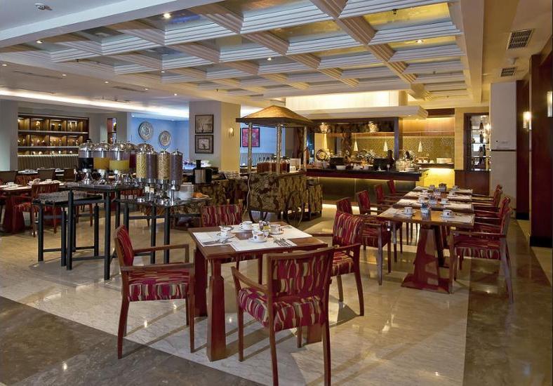 Novotel Semarang - Breakfast Area