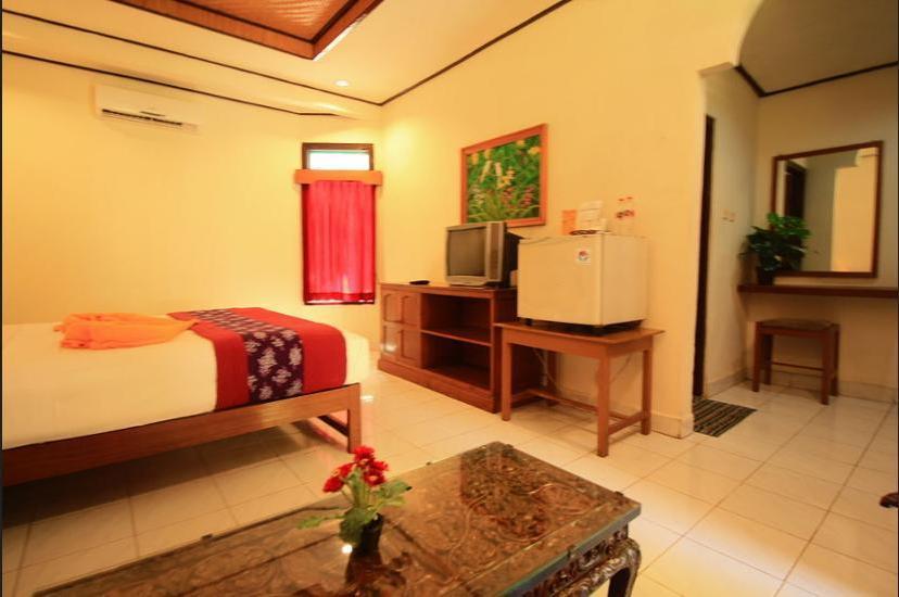 Lovina Beach Hotel Bali - Beach/Ocean View