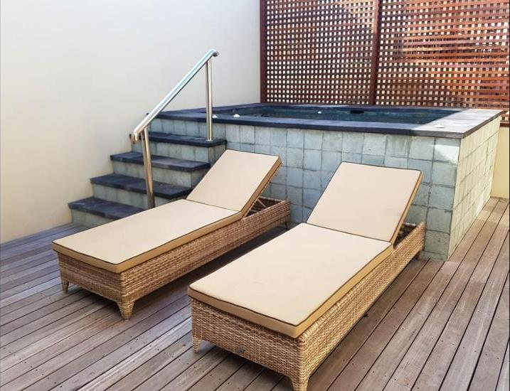 AP Suite Apartment Bali - Infinity Pool