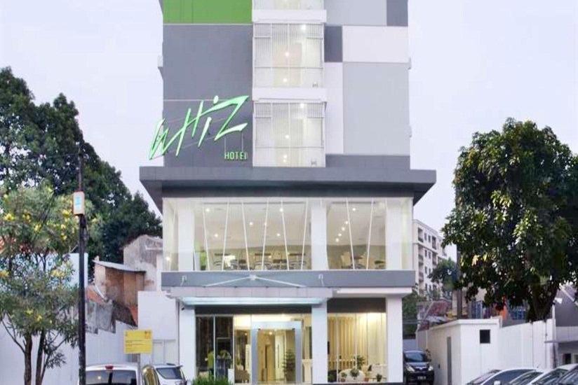 Whiz Hotel Cikini Jakarta - Tampilan Luar Hotel