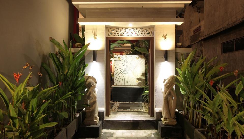 Rabasta Angkul-angkul Bali - Pintu masuk hotel