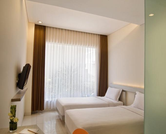 V Hotel & Residence Bandung - Deluxe Twin Room Only Regular Plan