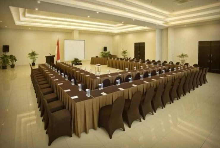 V Hotel & Residence Bandung - Meeting Room
