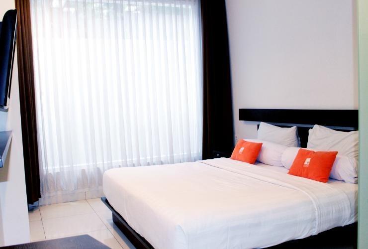 V Hotel & Residence Bandung - Deluxe King