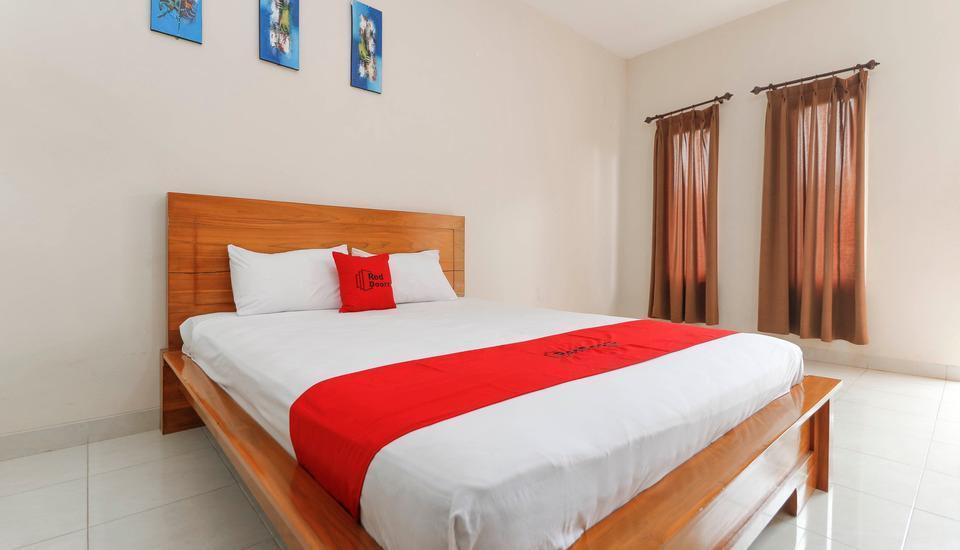 RedDoorz near Cibubur Junction Cibubur - RedDoorz Room Regular Plan