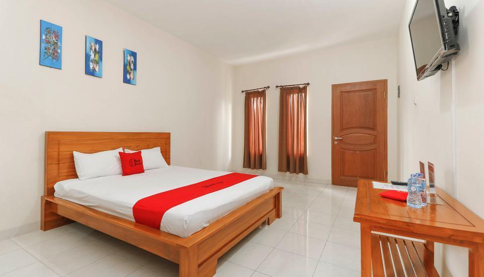 RedDoorz near Cibubur Junction Cibubur - Guestroom