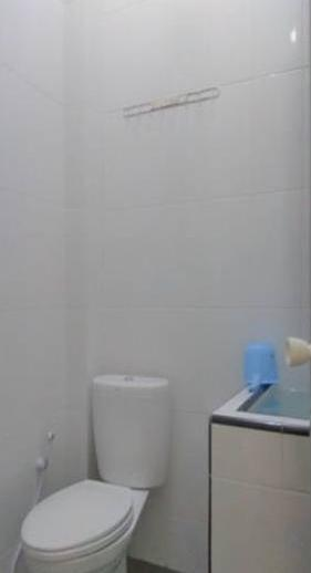 Guest House 180 Malang - Bathroom