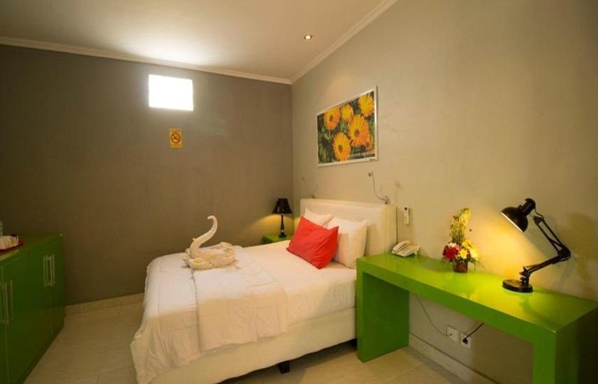 Hardys Hotel Negara Bali - Kamar Deluxe