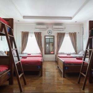 Ostic House Yogyakarta - 8 mixed dormitory