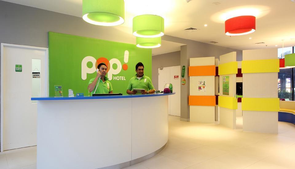 POP Hotel BSD City Tangerang - Resepsionis
