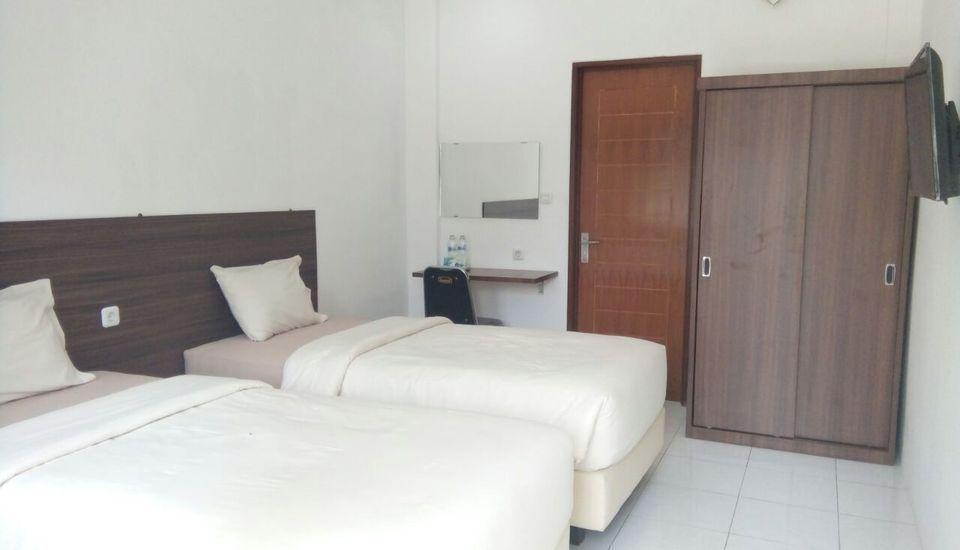 Hotel Netral Jombang Jombang - Deluxe Promo App Minimum Stay 2 Night