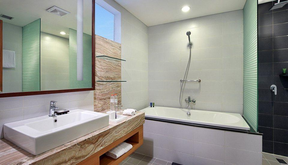 Aston  Solo - Suite Bathroom