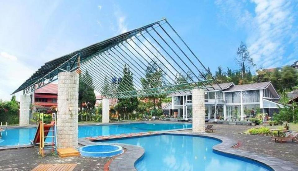 Villa Alila Istana Bunga Lembang Bandung - Kolam Renang