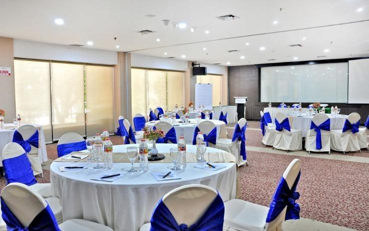 Hotel Horison Makassar - Ballroom