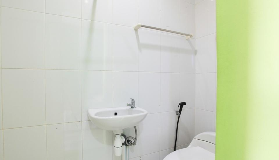 The Nancys Home Stay Pekanbaru - Bathroom