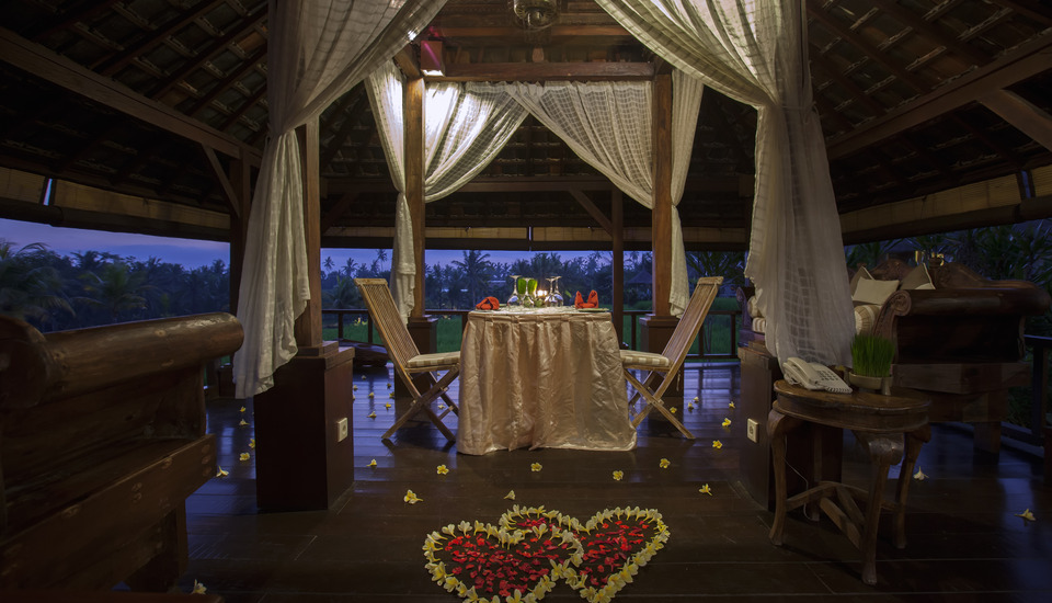 Wapa di Ume Bali - Romantic Candle Light Dinner