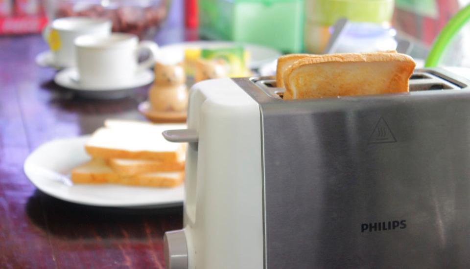 Ndalem Mantrijeron Hotel Yogyakarta - Toast Roti