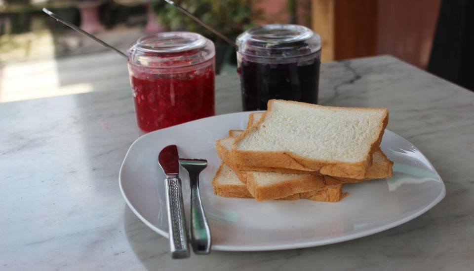 Ndalem Mantrijeron Hotel Yogyakarta - Roti