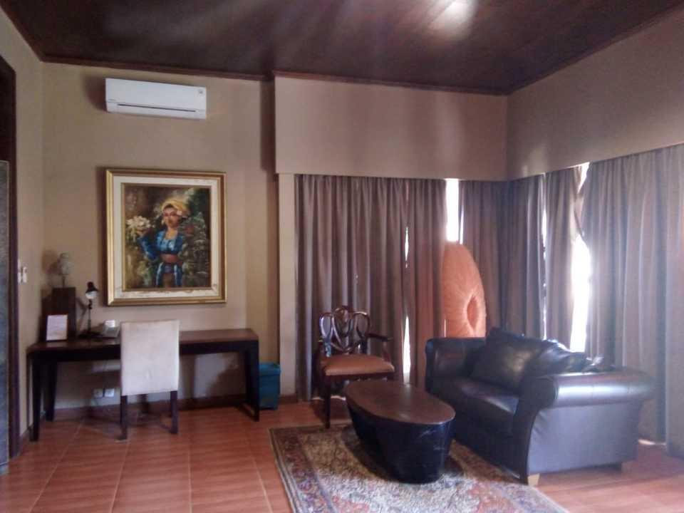 Palm Beach Resort Jepara Jepara - SUITE COTTAGE LIVING ROOM
