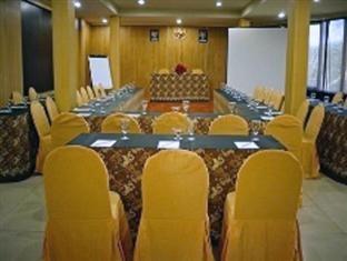D Season Hotel Surabaya - Ruang Rapat - ganda bentuk U
