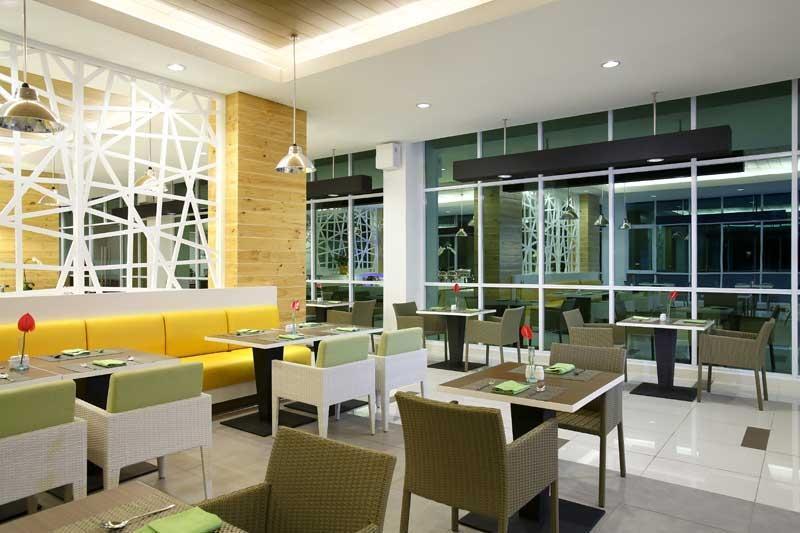 Hotel Santika  Cikarang - Interior