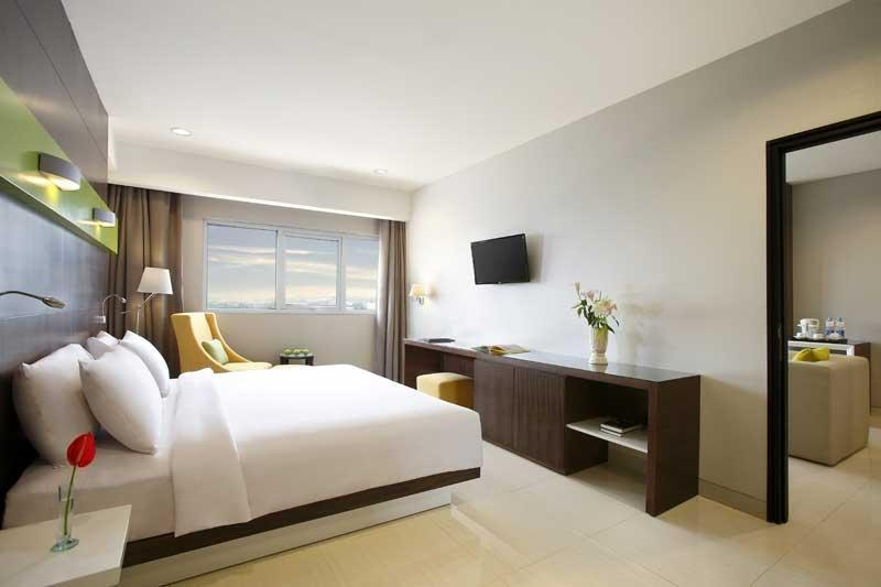 Hotel Santika  Cikarang - Superior Room King Regular Plan