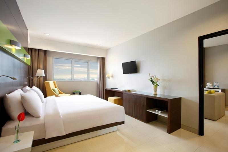 Hotel Santika  Cikarang - Executive Suite Room King Last Minute Deal