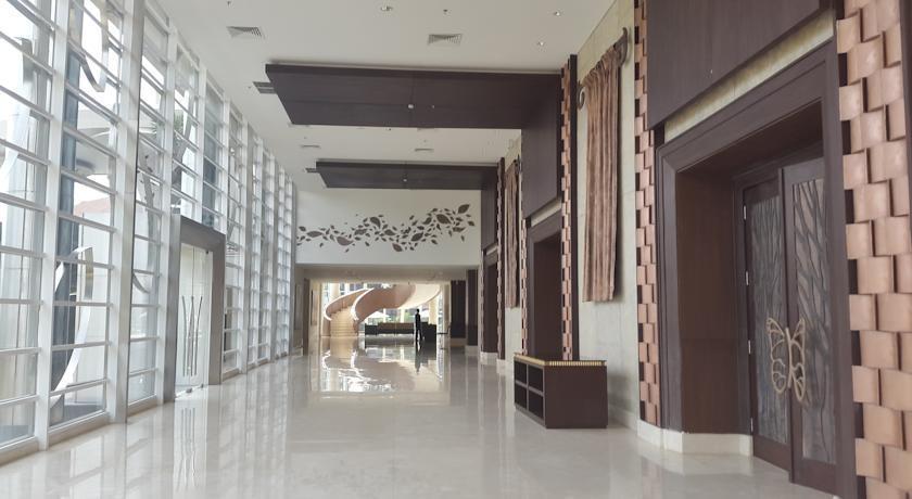 Hotel Santika Premiere Bekasi - (08/July/2014)