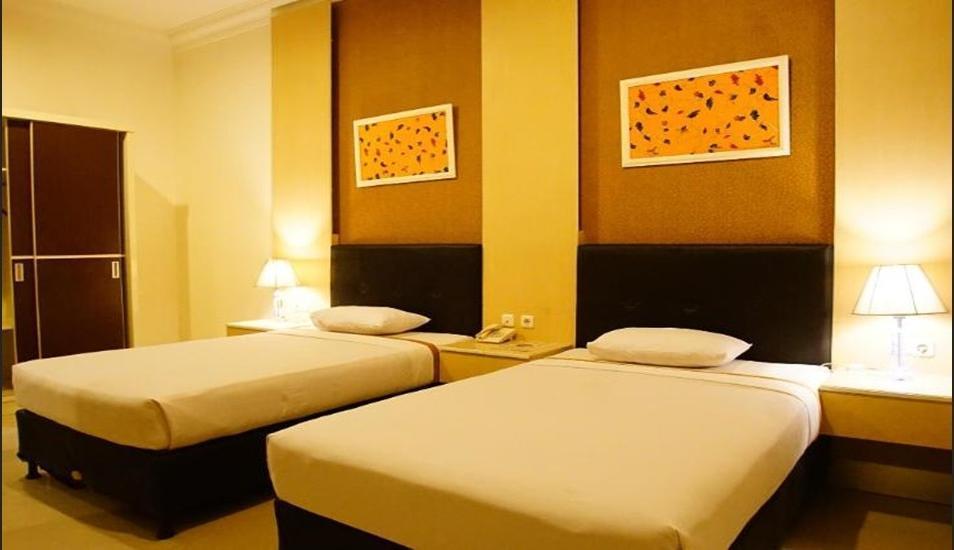Kendari Suite Hotel Kendari - Superior Twin Room Pegipegi Promotion Minimum Stay 3 Nights