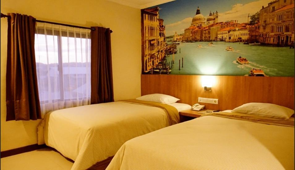Kendari Suite Hotel Kendari - Room Superior Twin