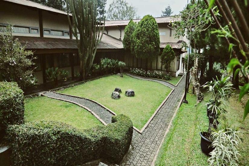 Arra Lembah Pinus Hotel Ciloto - Pemandangan