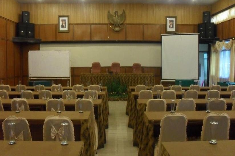 Arra Lembah Pinus Hotel Ciloto - Ruang Rapat