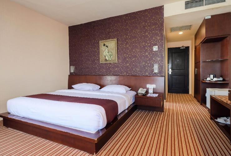 Kenari Tower Hotel Makassar - Luxury Room Regular Plan