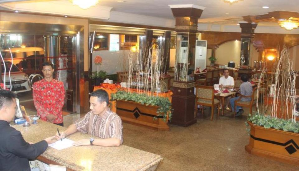 Hotel Yasmin Jayapura Jayapura - receptionis