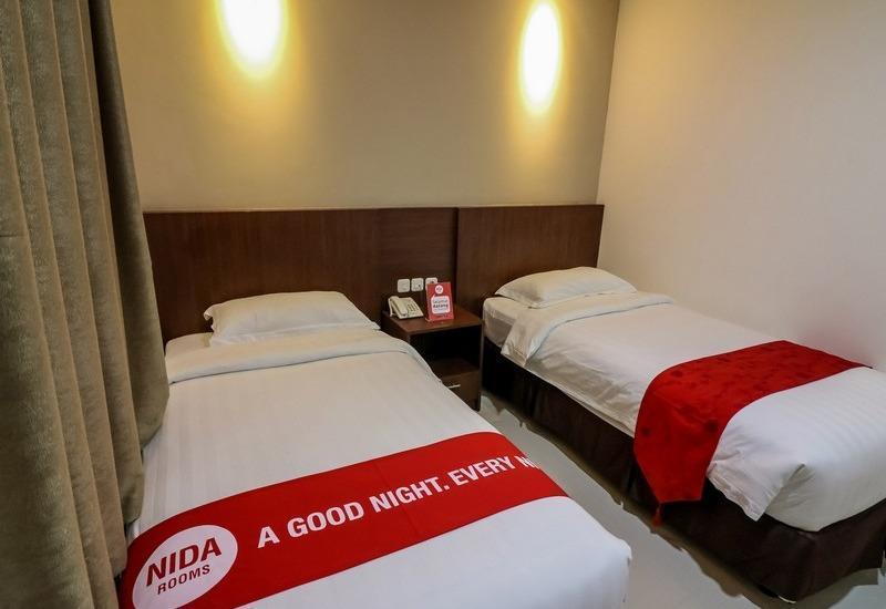 NIDA Rooms Makassar Banda - Kamar tamu
