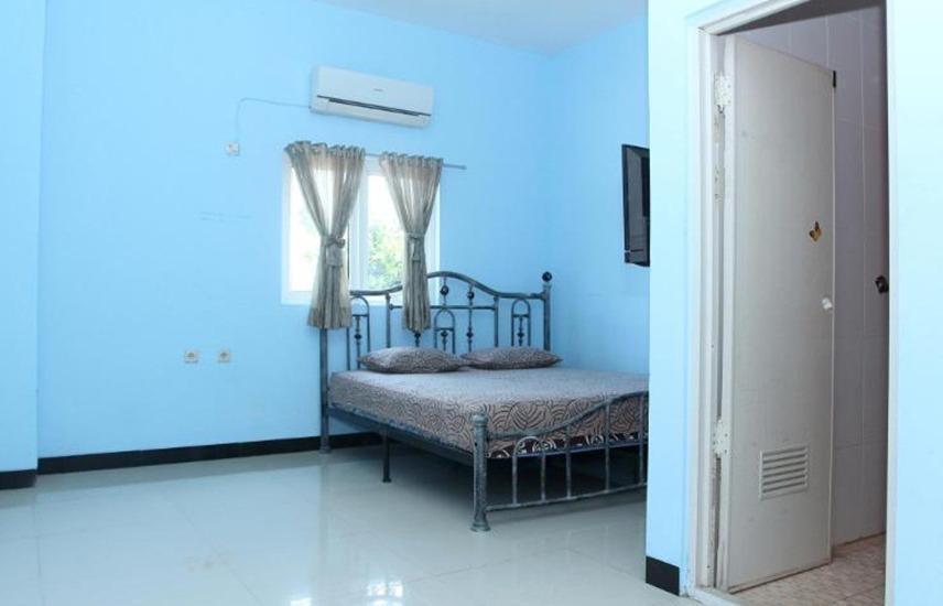 Tenacity Guest House Cirebon - Guest Room
