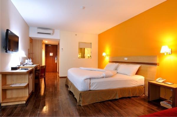 Merapi Merbabu Hotel Jogja - Executive Room Twin / King Regular Plan