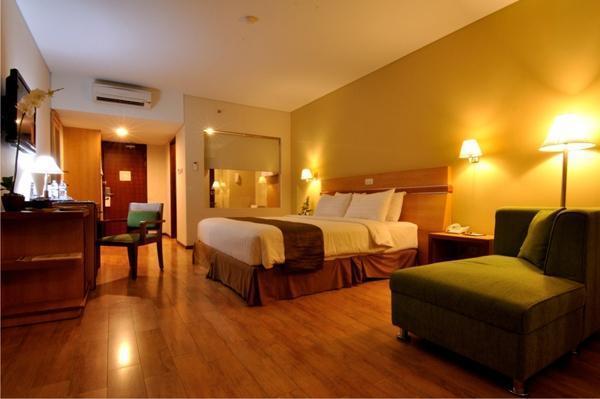 Merapi Merbabu Hotel Jogja - Kamar Executive Balcony