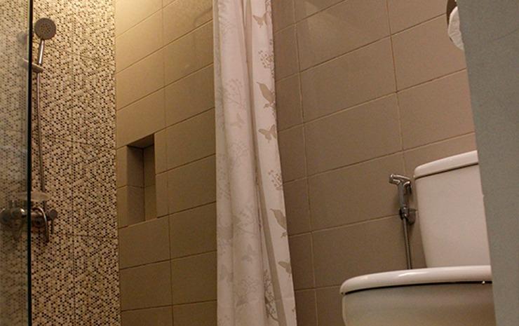 Hotel Citarum Bandung - Bathroom