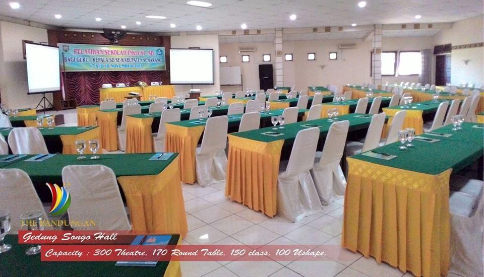 The Bandungan Hotel Semarang - Gedongsongo Room