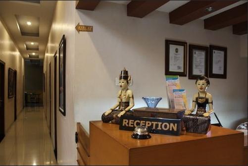Grand Surya Hotel Yogyakarta - dining