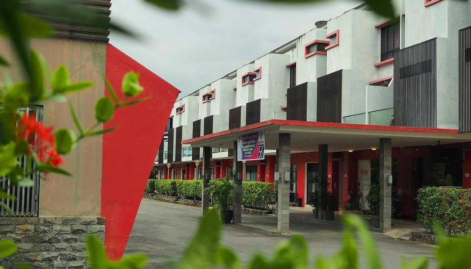 Centro Hotel  Batam - Studio Deluxe #WIDIH - Pegipegi Promotion