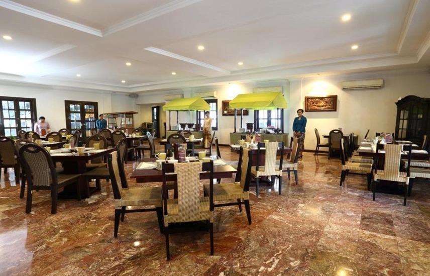 Hotel Merdeka  Kediri - Restaurant