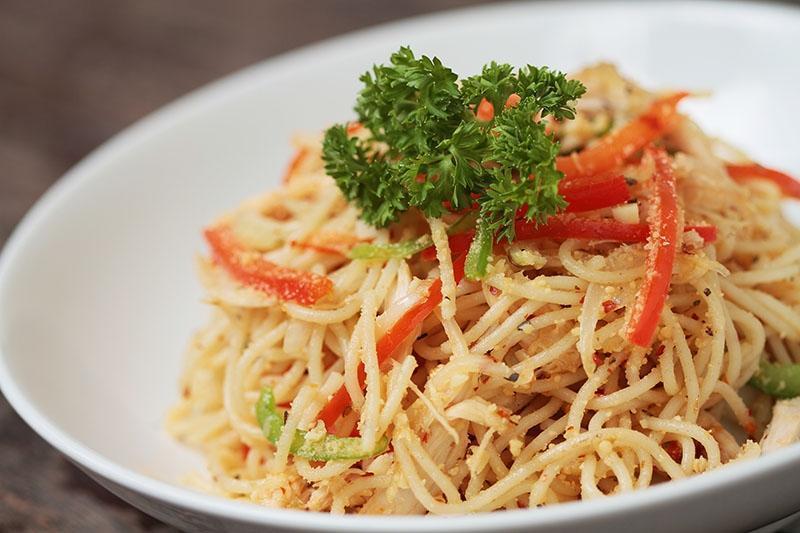 Griya Patria Guest House Jakarta - spaghetti chicken garlic