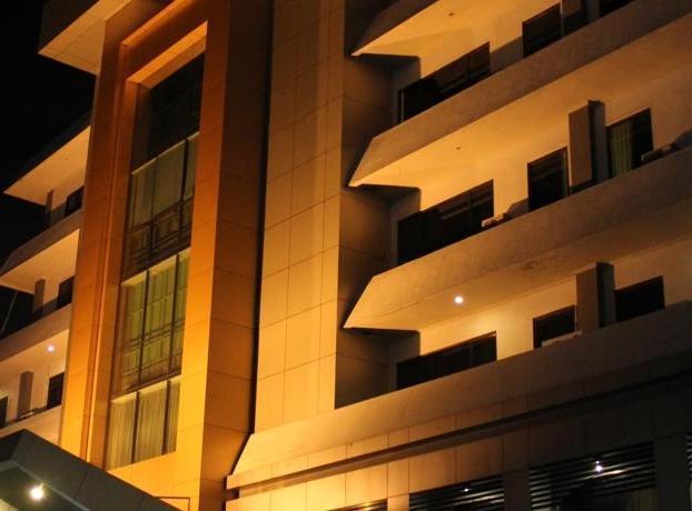 Hotel Kini  Pontianak - Tampilan Luar