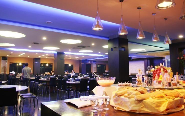 Hotel Kini  Pontianak - Restoran