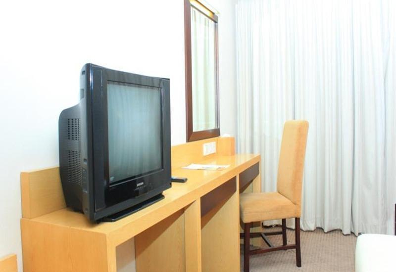 Simpang Lima Residence Semarang - Kamar tamu